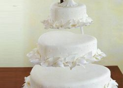 3 Tier Heart Shape Cake With Stand